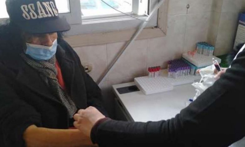 أول صورة لـ علي حميدة من داخل المستشفى بعد إعلان تدهور حالته الصحية - فن وثقافة | سواح ميديا