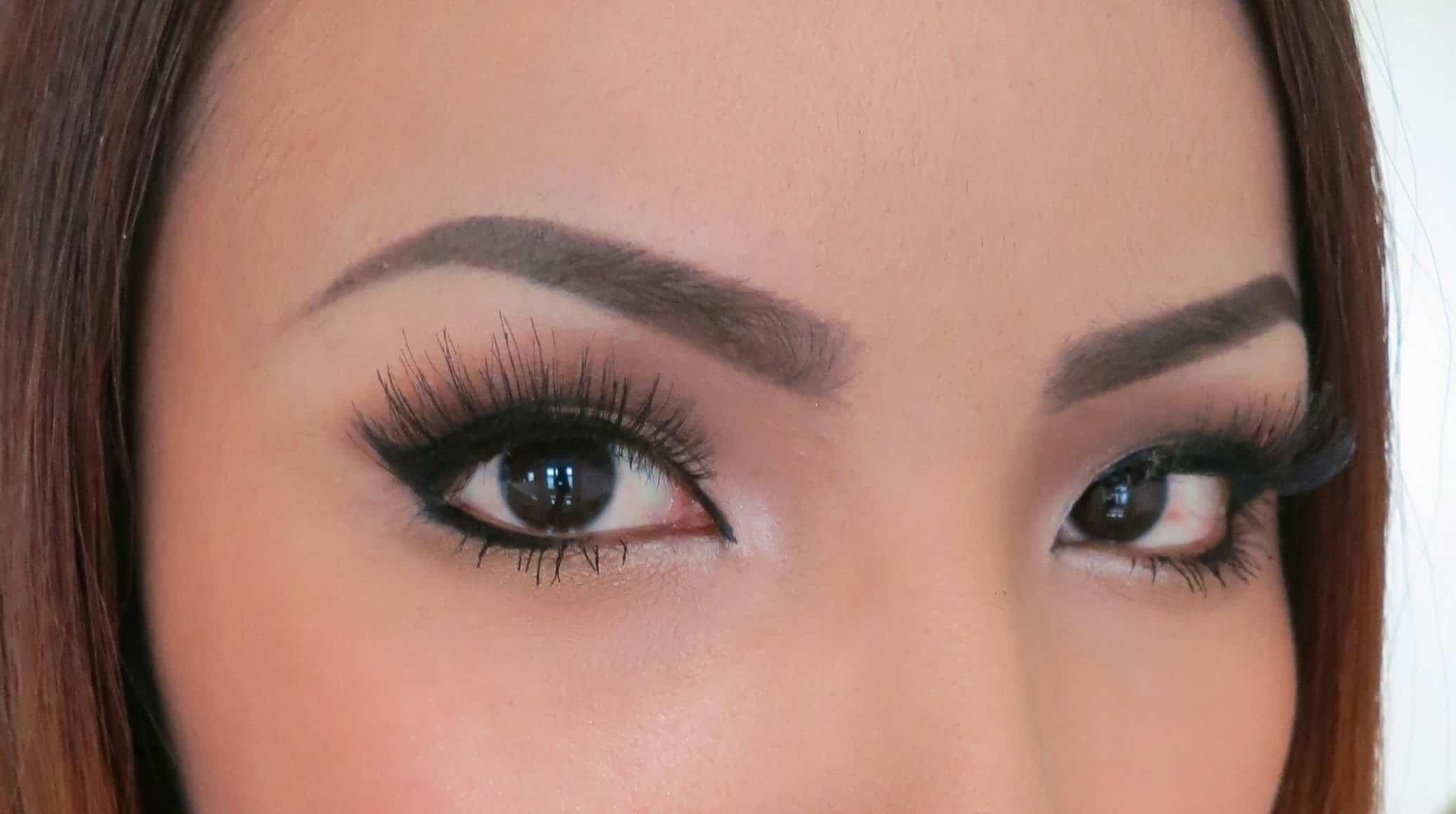الحواجب المناسبة للعيون المبطنة