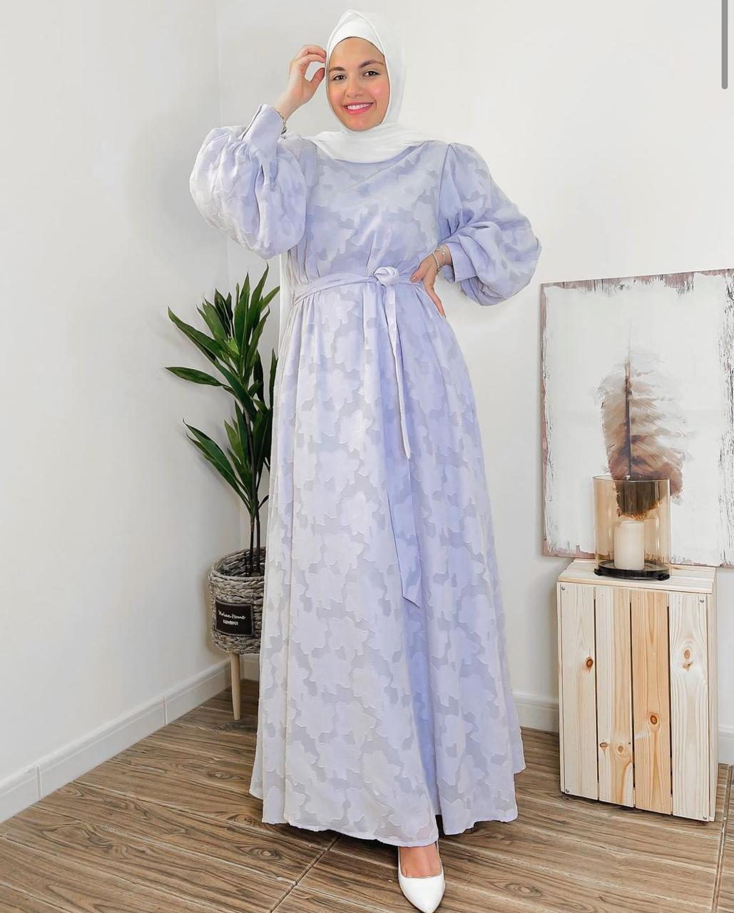 اية فوزي بفستان كاجول
