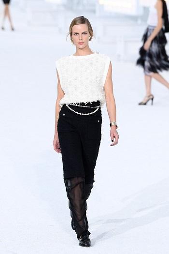 الأبيض والأسود من Chanel