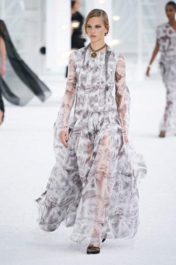 Chanel الفساتين الماكسي